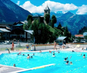 Pool at Champagny